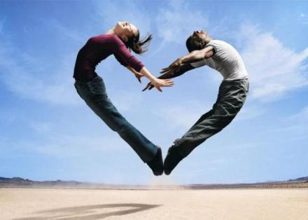 Membaca Arti Cinta Lewat Hormon